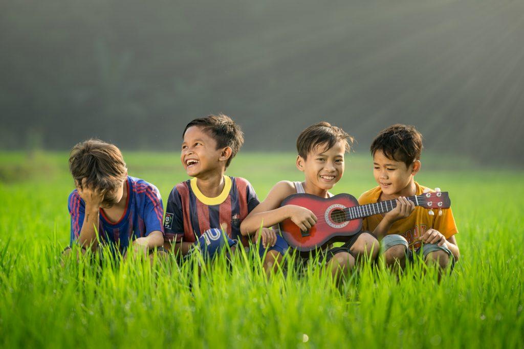 derechos de la infancia y educar en la solidaridad