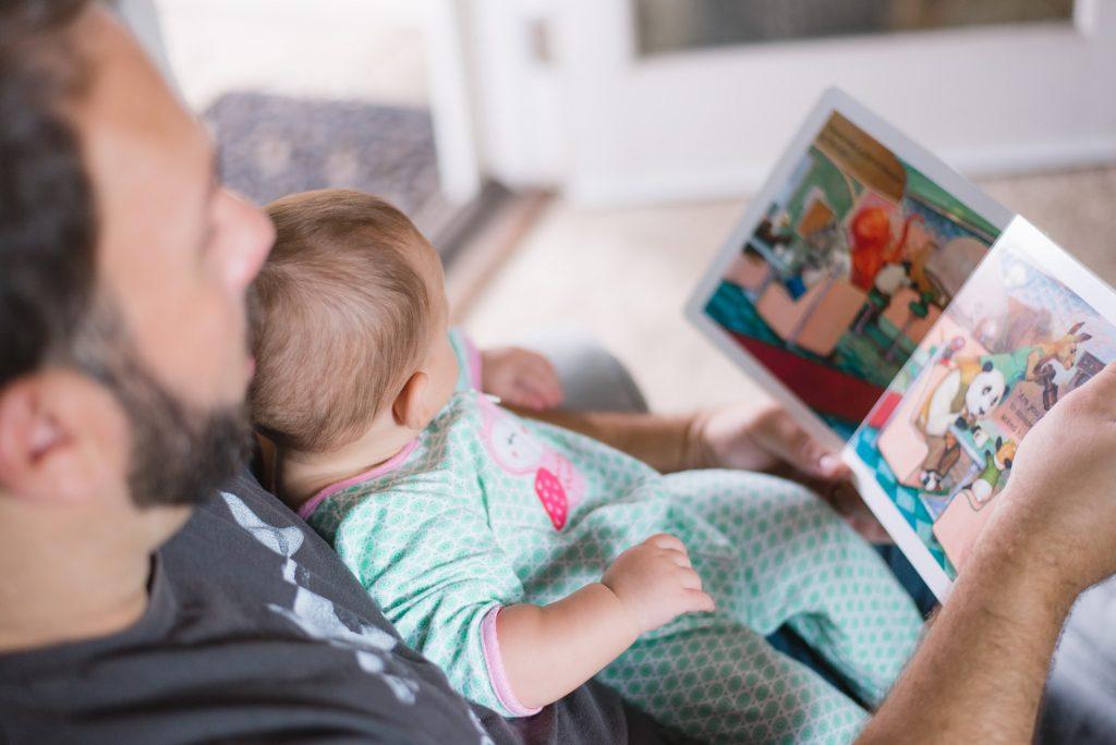 primera biblioteca de cuentos infantiles para un bebé